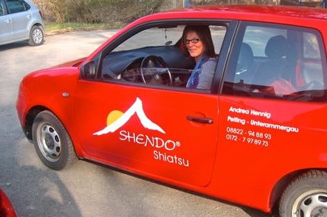 Praktikerin mit ShenDo Shiatsu Autoaufkleber